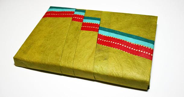 Paquet cadeau en masking tape