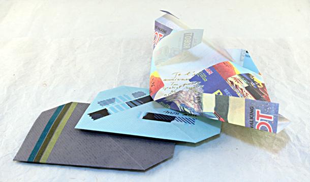 Pliage d 39 une lettre enveloppe masking tape et papier cadeau - Pliage papier cadeau ...