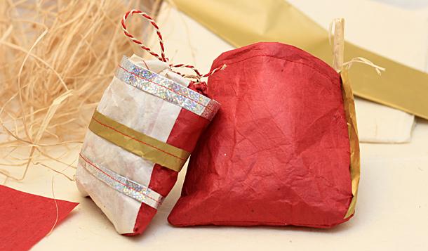 Pochette de noël en papier lokta