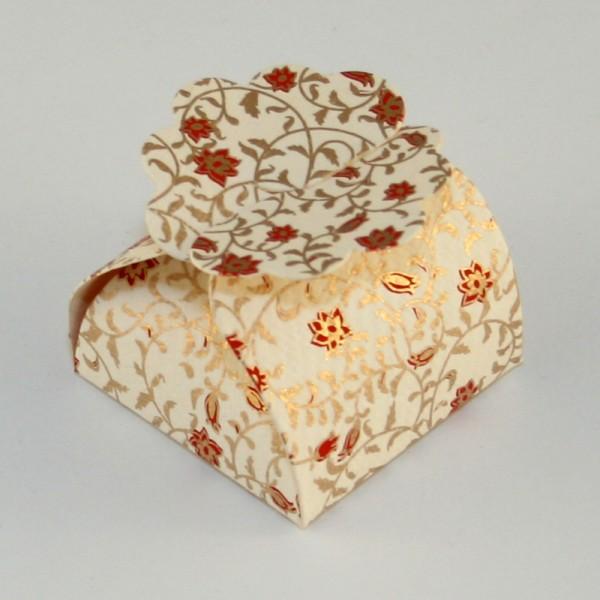 Masking tape et papier cadeau tout pour les emballages cadeaux - Pliage papier cadeau ...