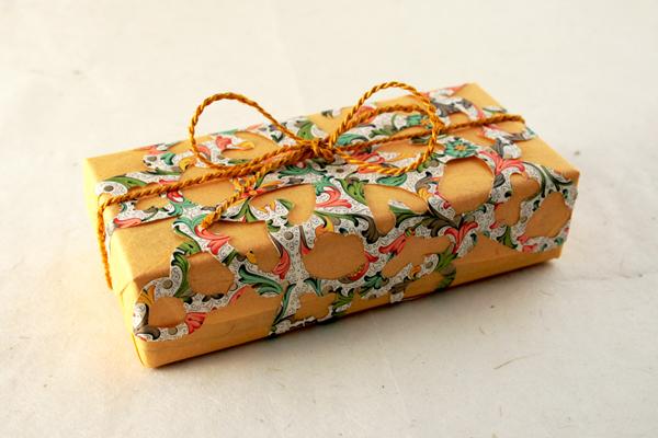 Paquet cadeau en dentelle florentine